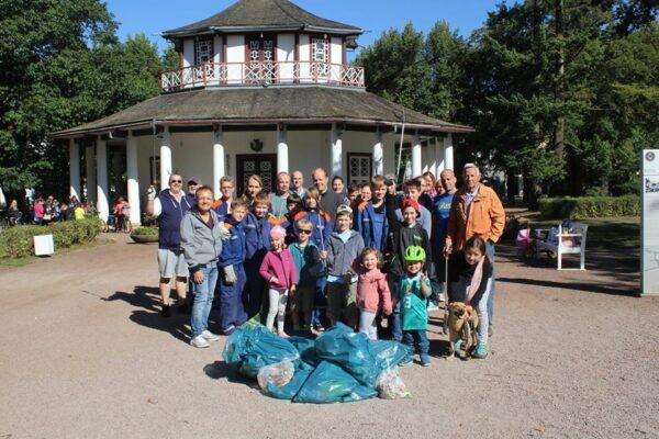 Müllsammelaktion auf dem Kamp