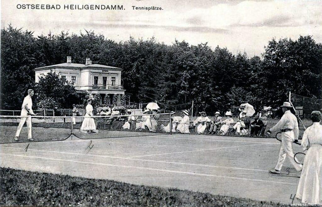 Galopprennbahn, internationaler Golfplatz und Tennis-Turnier-Plätze auf Weltniveau - Heiligendamm war bis 1945 richtig sportlich.
