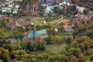 Luftbild vom Münster und Kloster Doberan