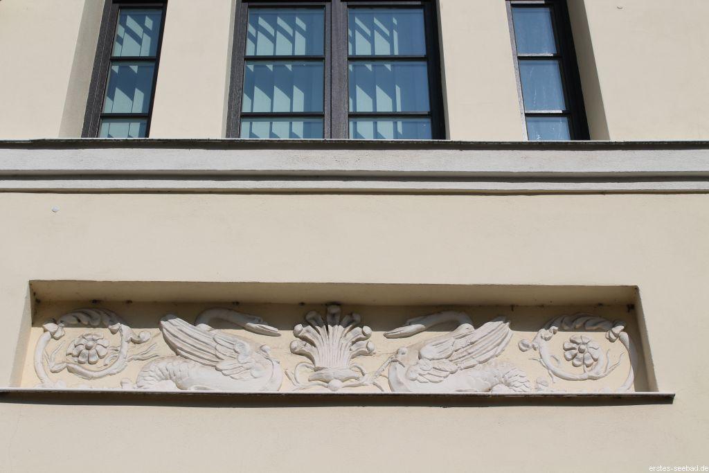 Relief an der Villa Medini