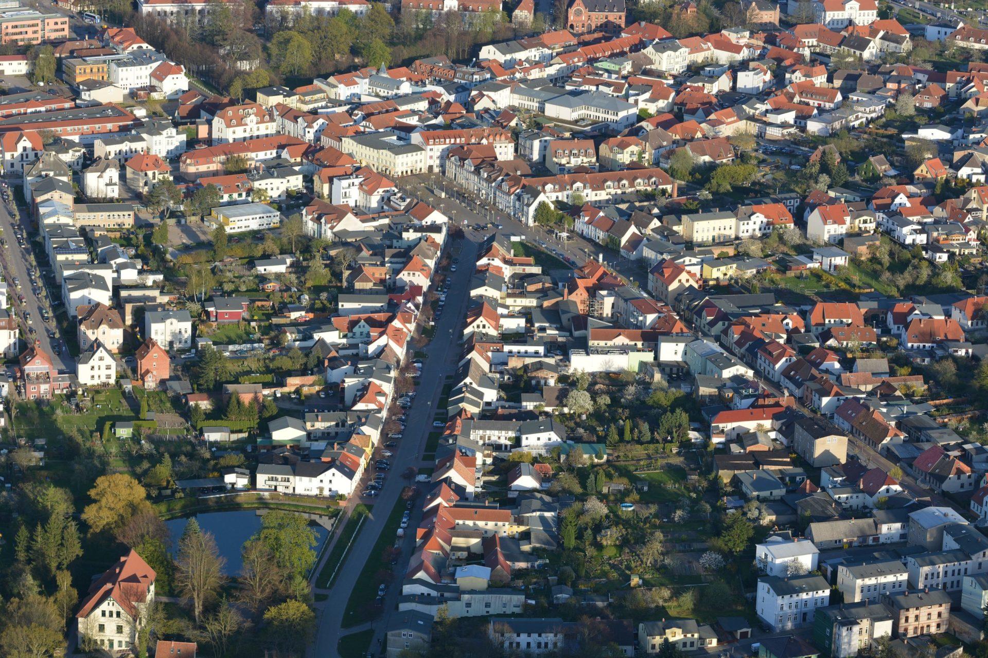 Luftbild Neue Reihe Baumstrasse Marktplatz Bad Doberan