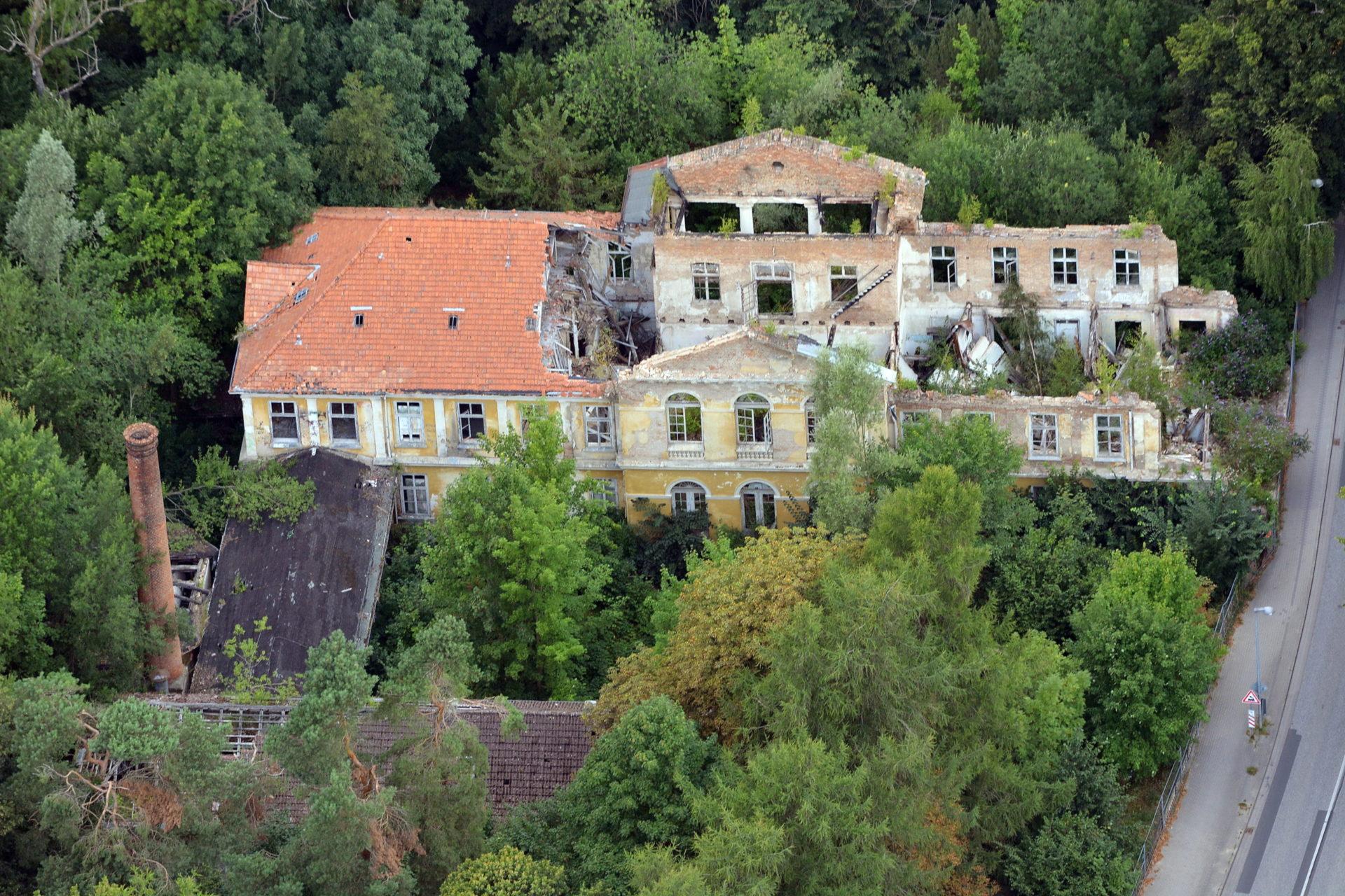 Luftbild von der Stahlbad-Ruine bzw Moorbad-Ruine Bad Doberan